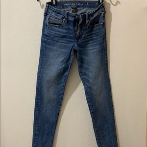 American Eagle skinny jean super stretch.